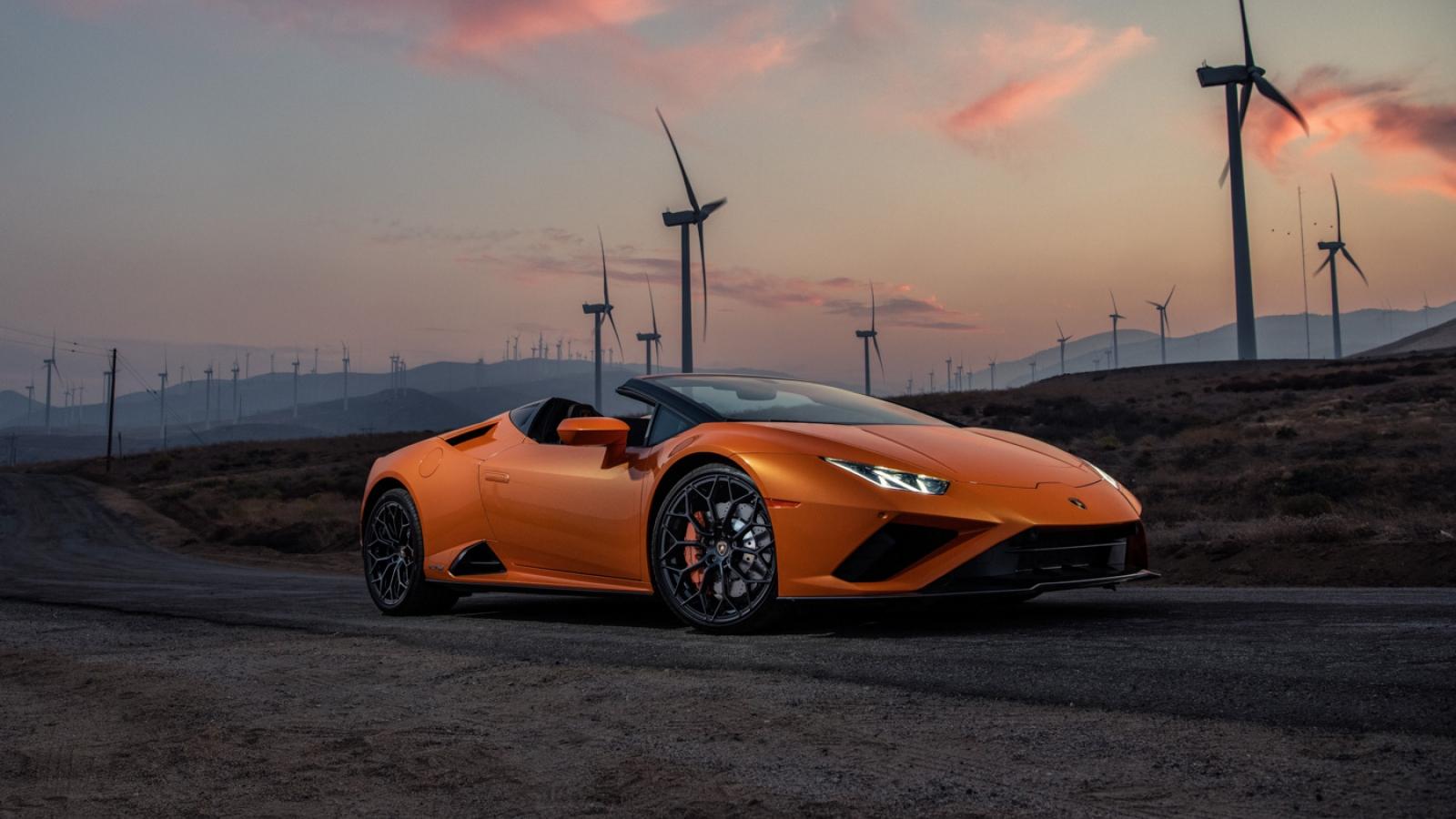 Lamborghini Huracán EVO RWD Spyder thắng giải xe mui trần của năm 2021