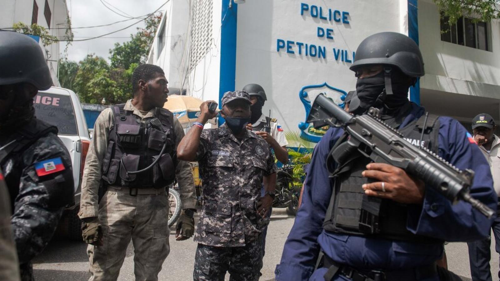 Những nghi vấn về nhóm người Colombia trong vụ ám sát Tổng thống Haiti