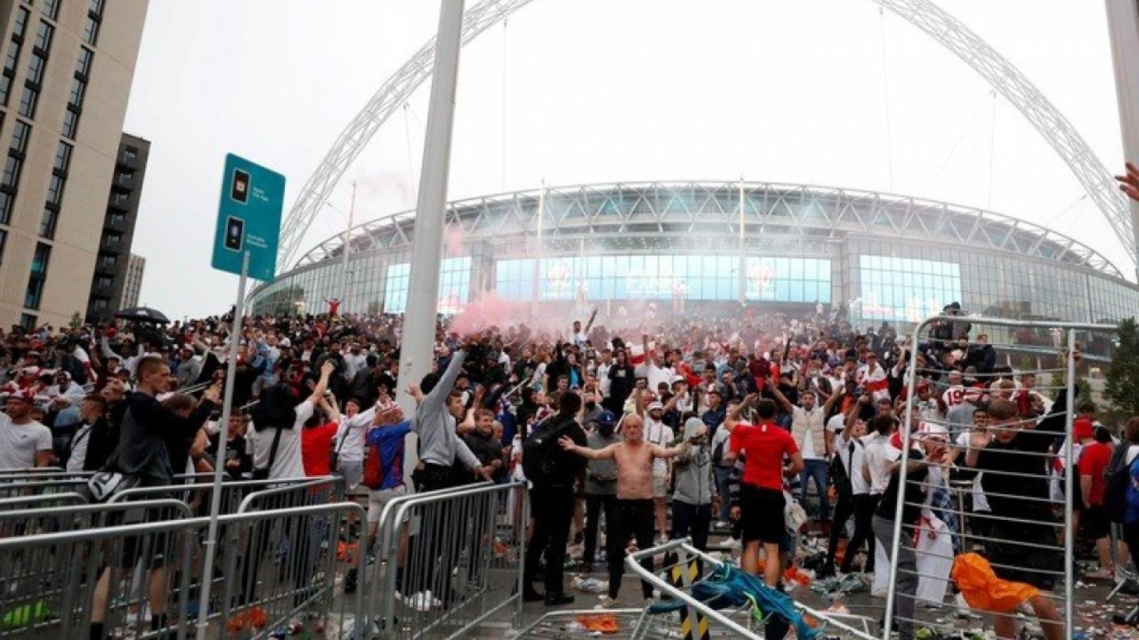 UEFA có thể phạt nặng LĐBĐ Anh vì những sự cố ở chung kết EURO 2021