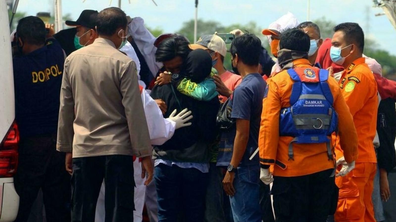 Gần 60 người chết, mất tíchtrong vụ 18 tàu cá Indonesia bị chìm ngoài khơi Kalimantan