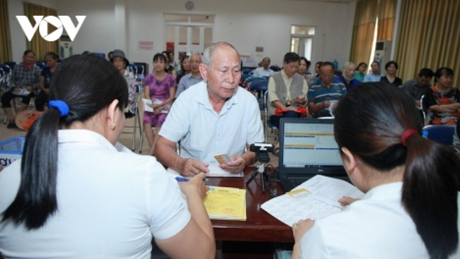 Đề xuất tăng 15% lương hưu từ đầu năm 2022