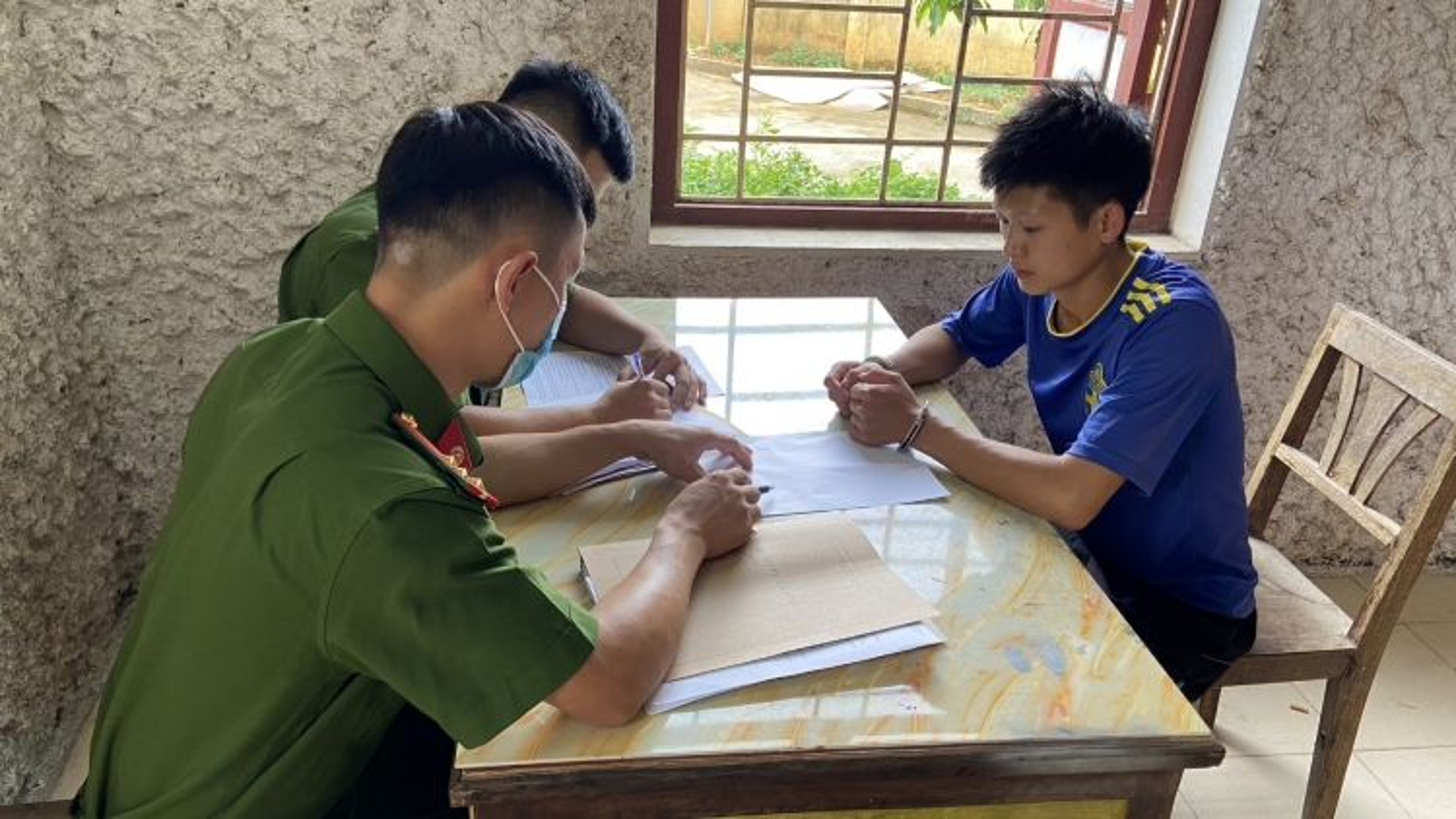 Bắt giữ 2 đối tượng tàng trữ ma túy ở Cao Bằng