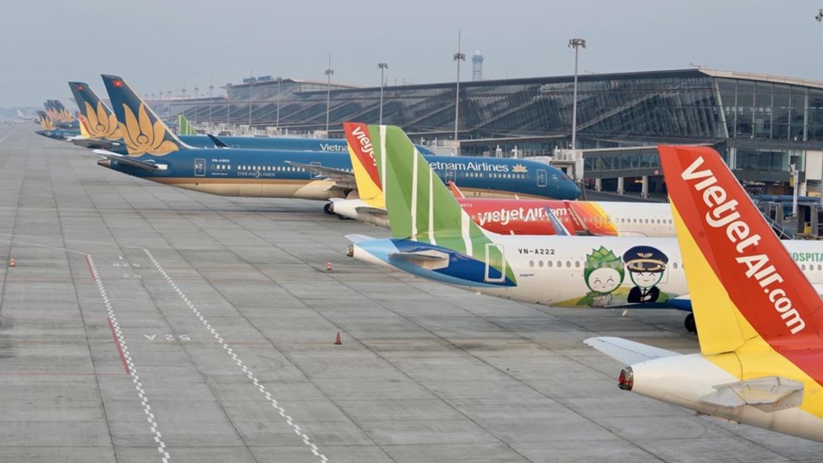 Áp giá sàn vé máy bay: Tước quyền của khách hàng, vi phạm Luật Cạnh tranh