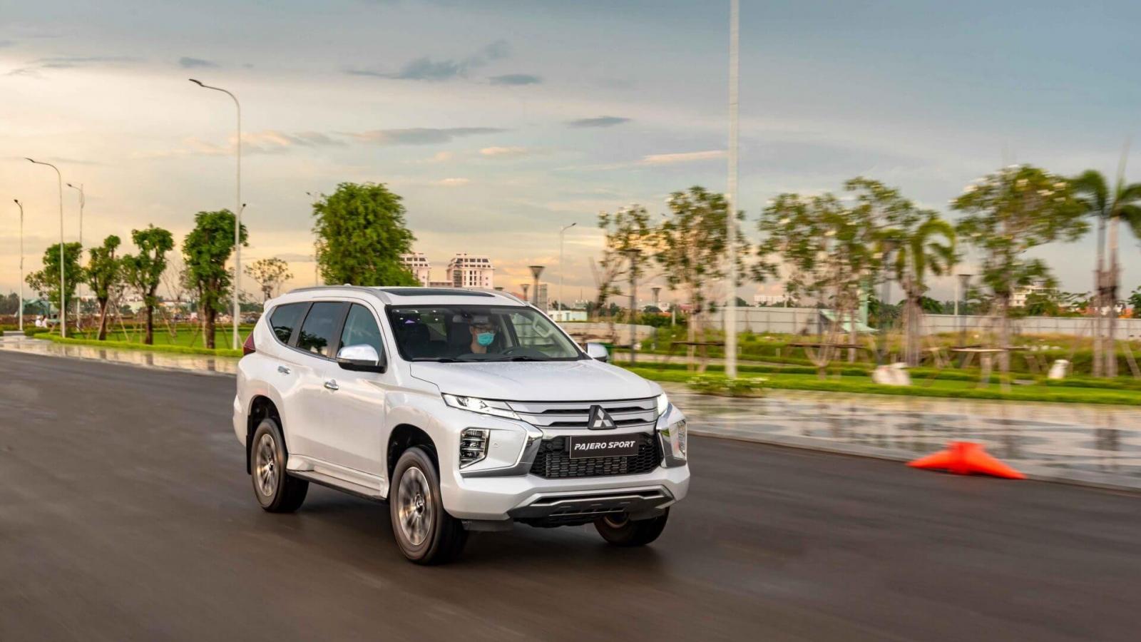 Mua ô tô Mitsubishi nhận hàng loạt ưu đãi tháng 7
