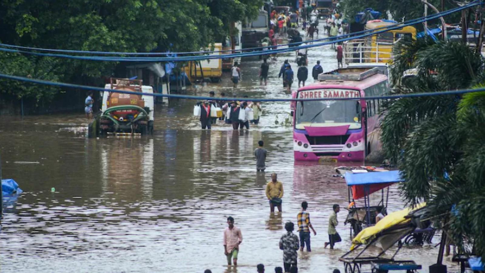 Lũ lụt nghiêm trọng ở Ấn Độ làm 136 người thiệt mạng