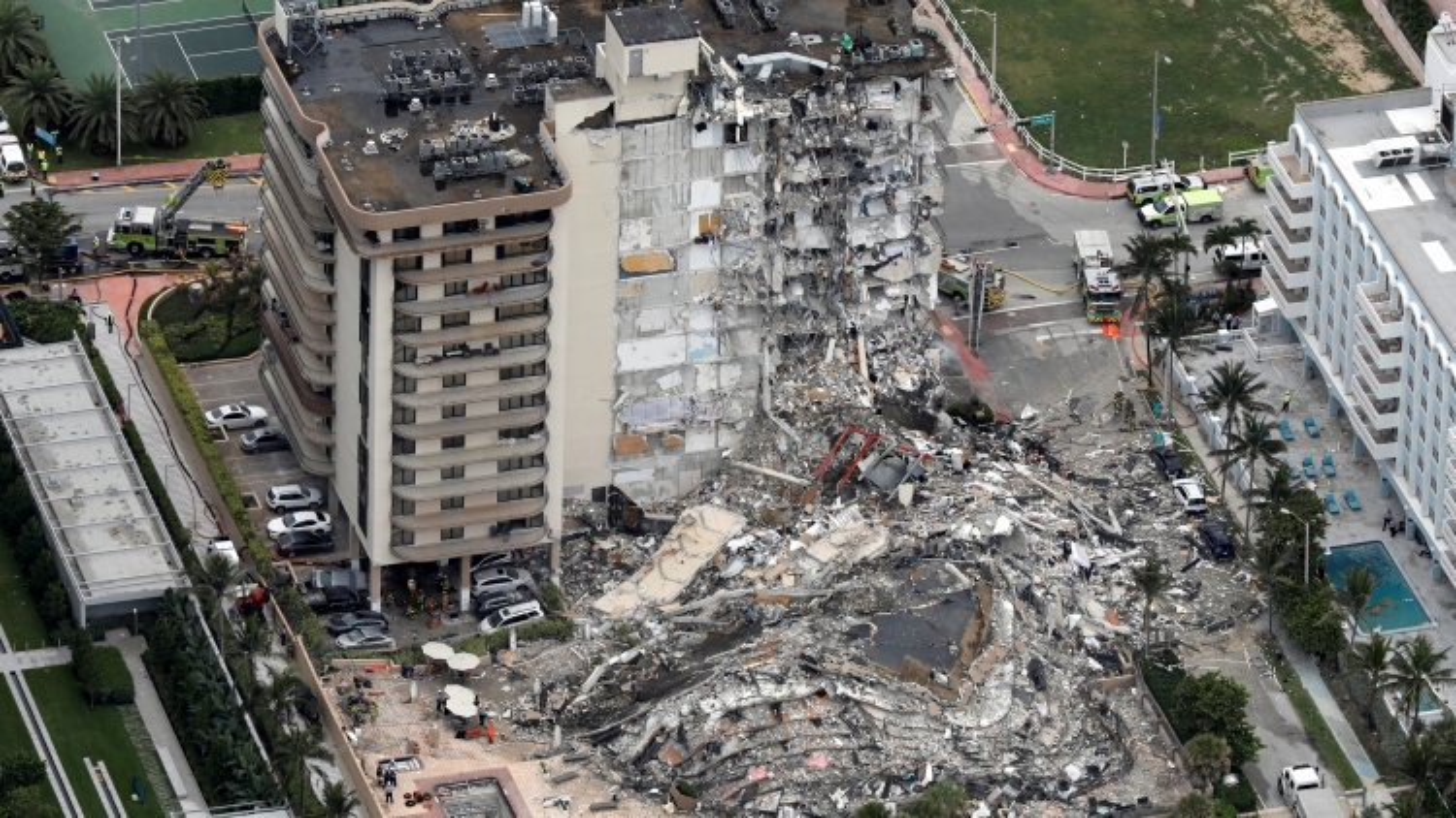 Vụ sập chung cư 12 tầng tại Mỹ: Lực lượng cứu hộ chạy đua với cơn bão sắp đổ bộ