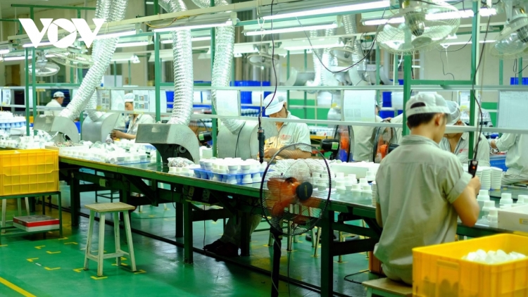 Two updated scenarios put forward for Vietnamese economy until year's end