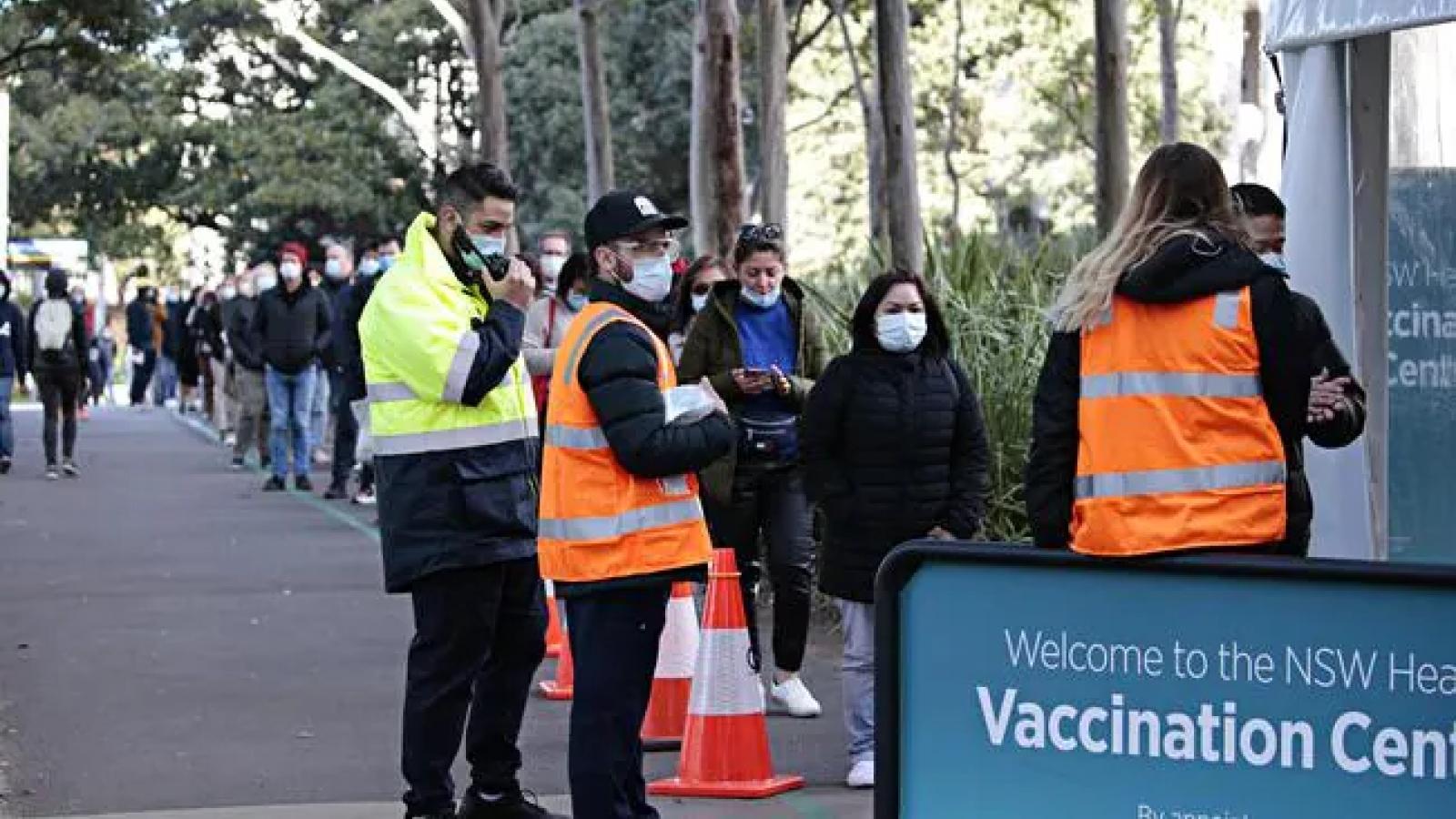 Australia chậm trễ trong chương trình tiêm vaccine ngừa Covid-19