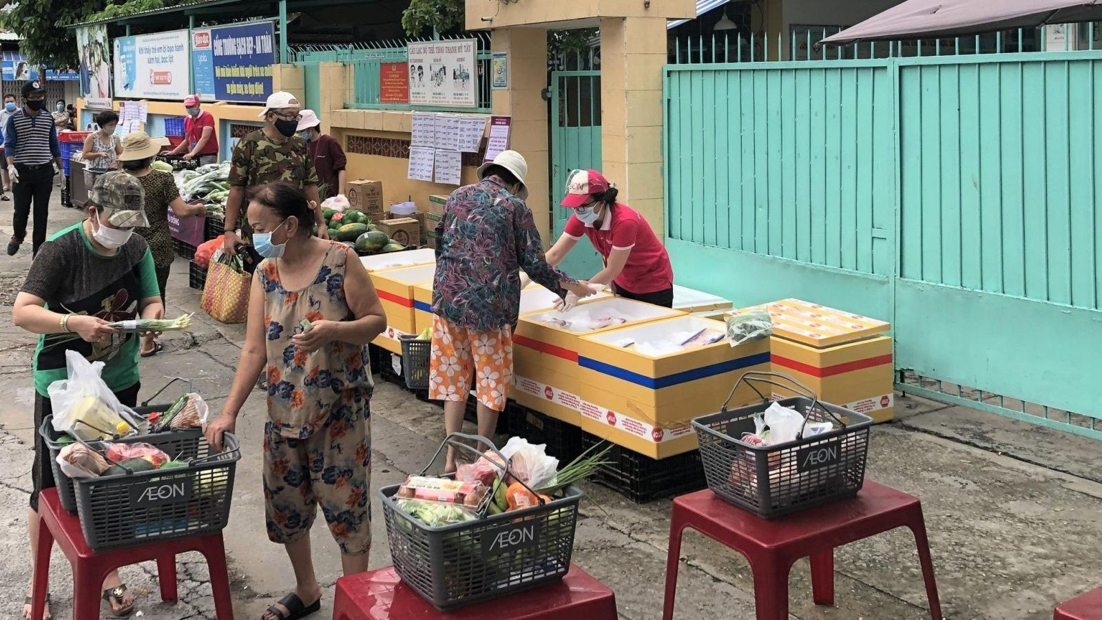 TP.HCM triển khai thí điểm 11 điểm bán rau, thịt, cá ở các chợ truyền thống đang đóng cửa
