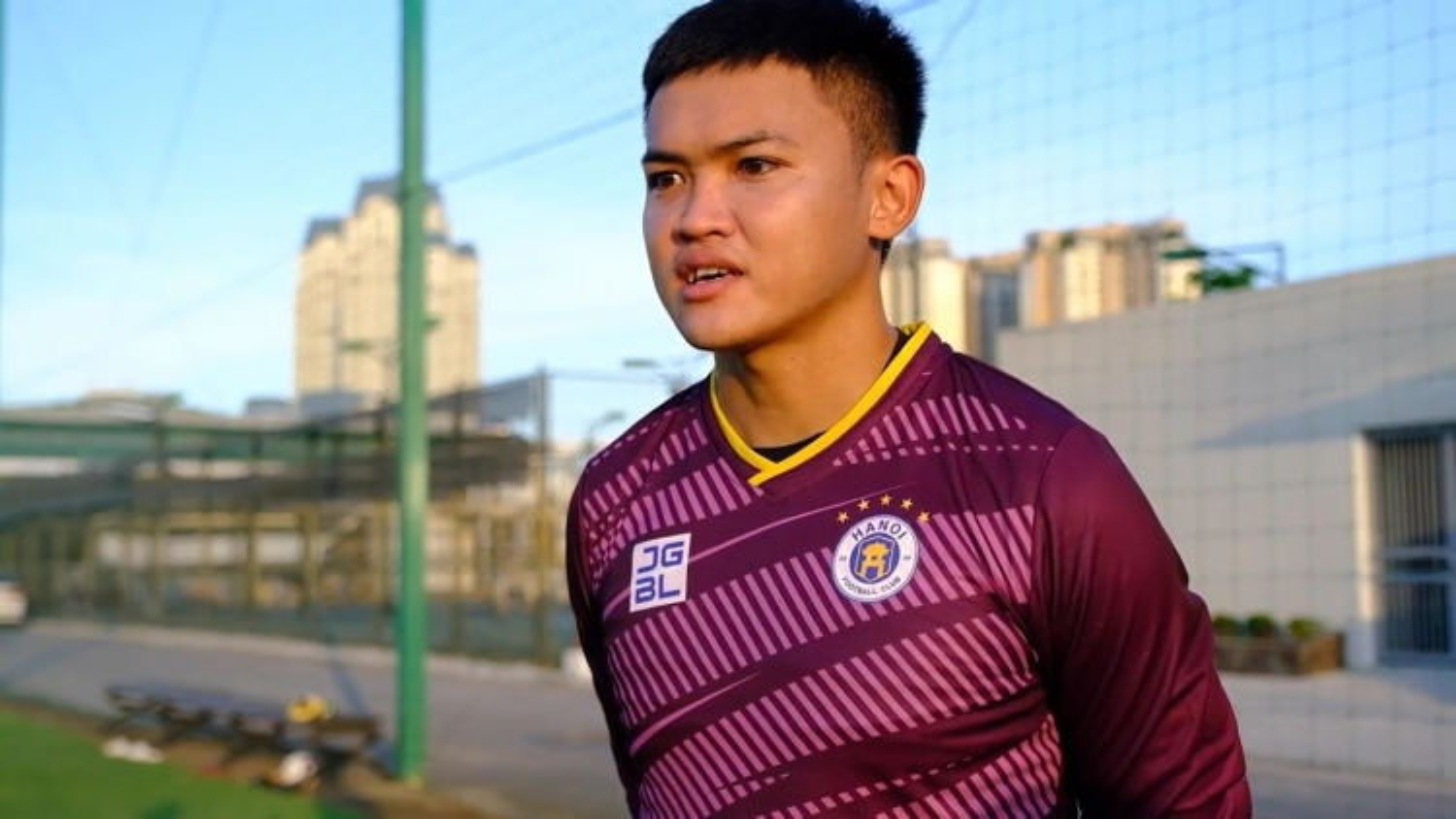 """Hà Nội FC ký hợp đồng với """"người nhện"""" sinh năm 1999"""