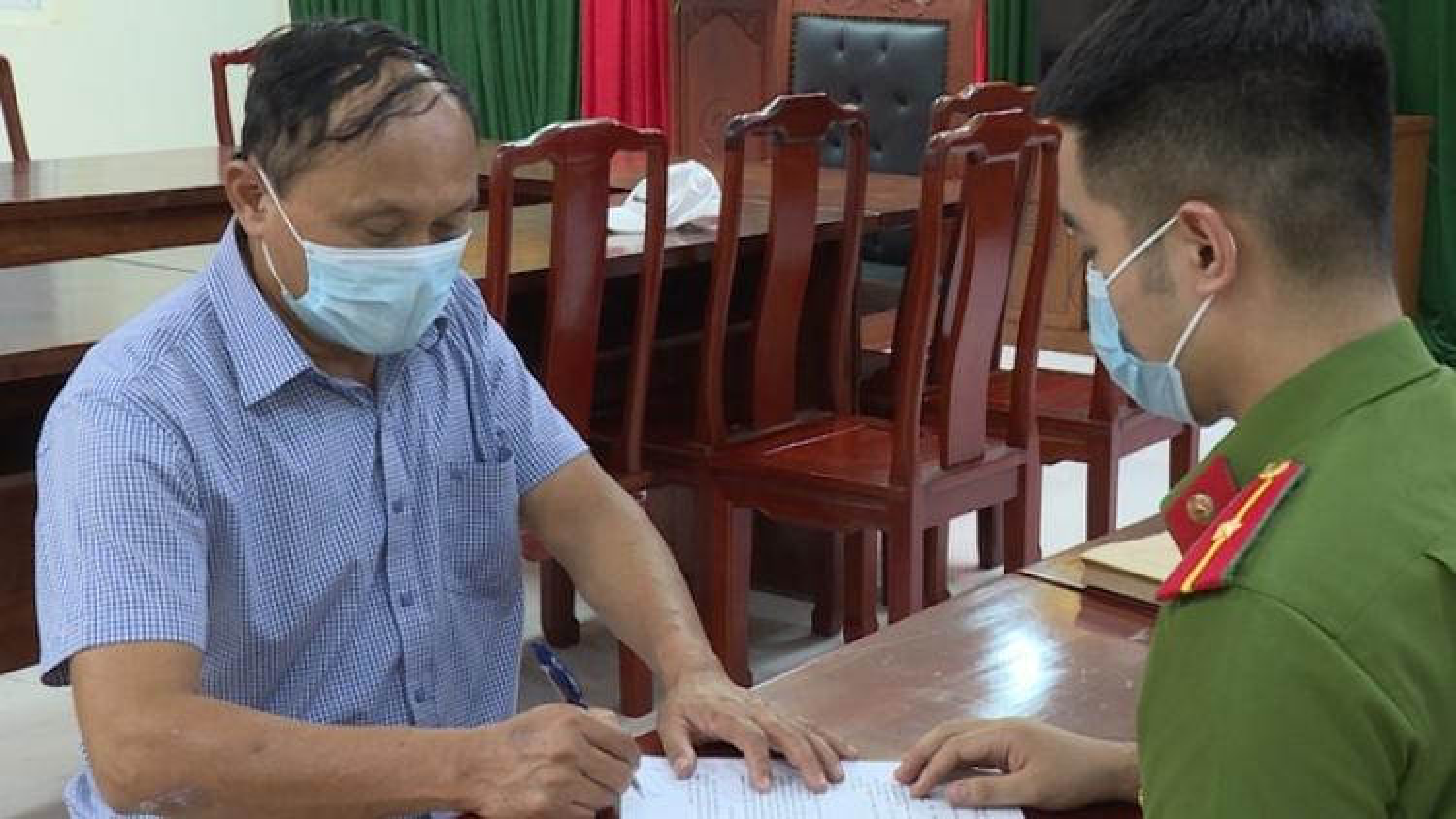 Giám đốc Công ty TNHH Oanh Bằng bị bắt khi đang tống tiền doanh nghiệp
