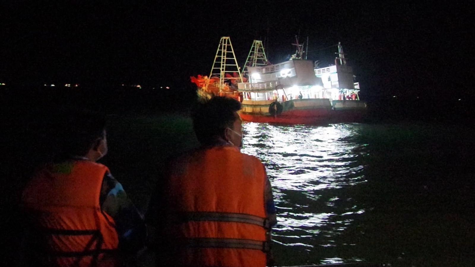 Tạm giữ 25 thuyền viên từ Malaysia về Việt Nam bằng đường biển