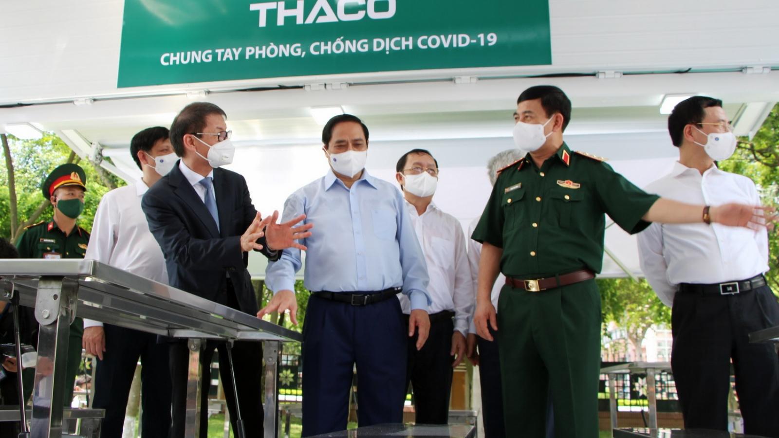 THACO sản xuất và trao tặng 126 xe vận chuyển vaccine và tiêm chủng lưu động