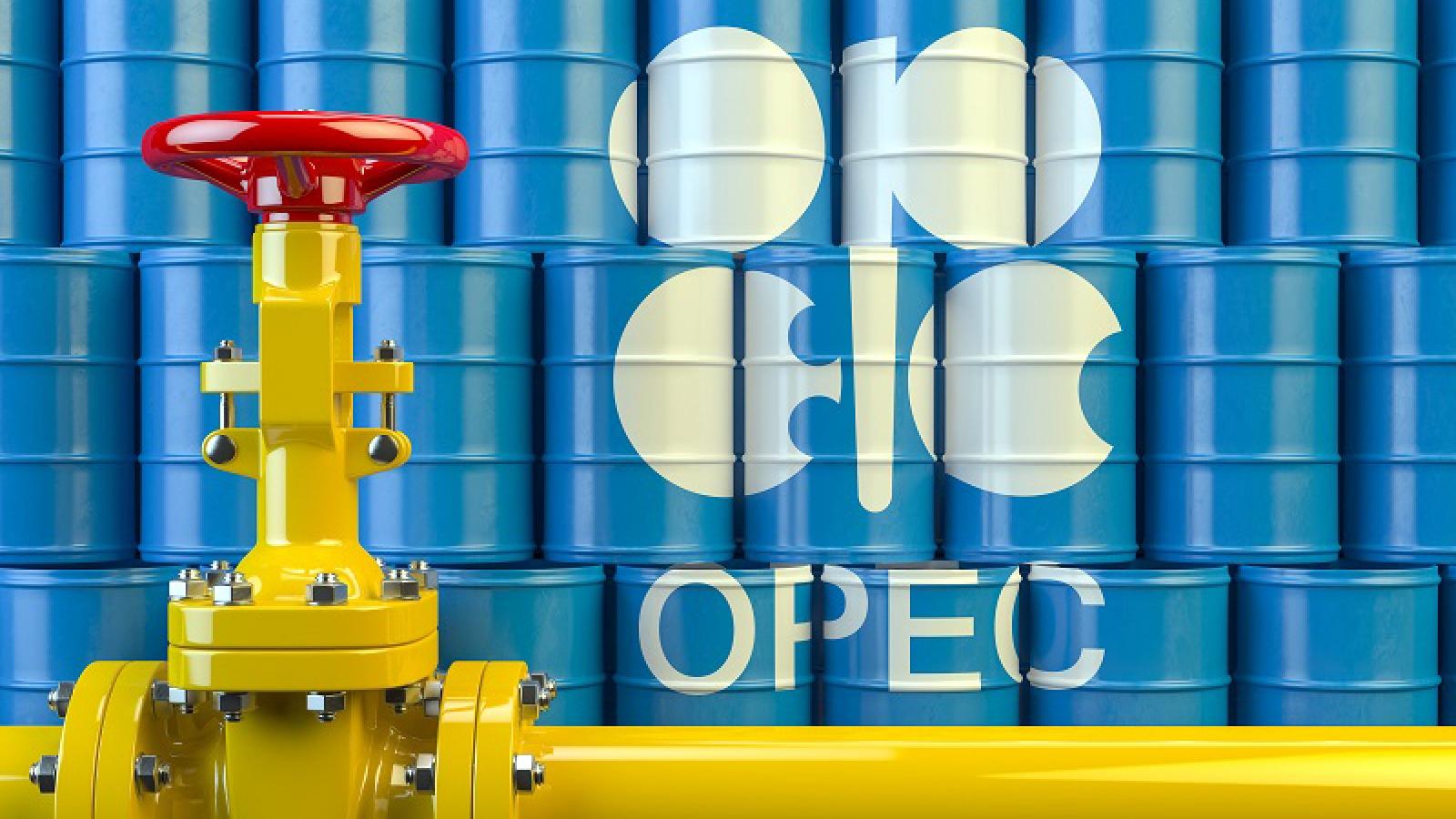 """OPEC+ bế tắc khiến """"vàng đen"""" tăng giá, nguy cơ tái diễn cuộc chiến giá dầu"""