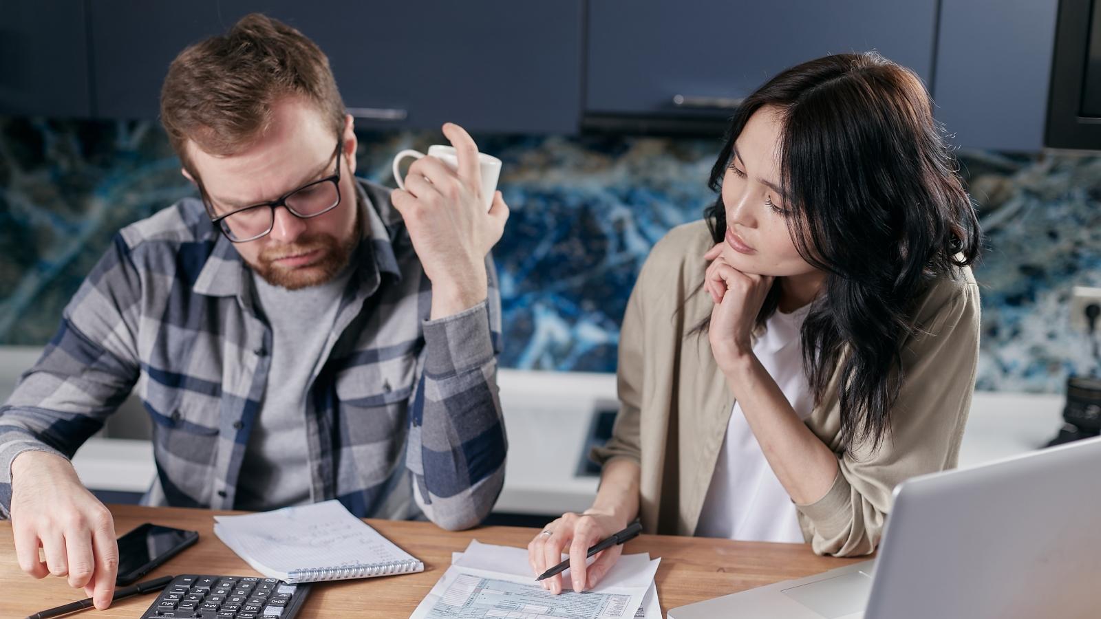 Lời khuyên tài chính hữu ích cho các cặp vợ chồng mới cưới