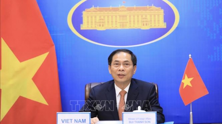 Promoting economic diplomacy to fulfill dual goal amid widespread COVID-19