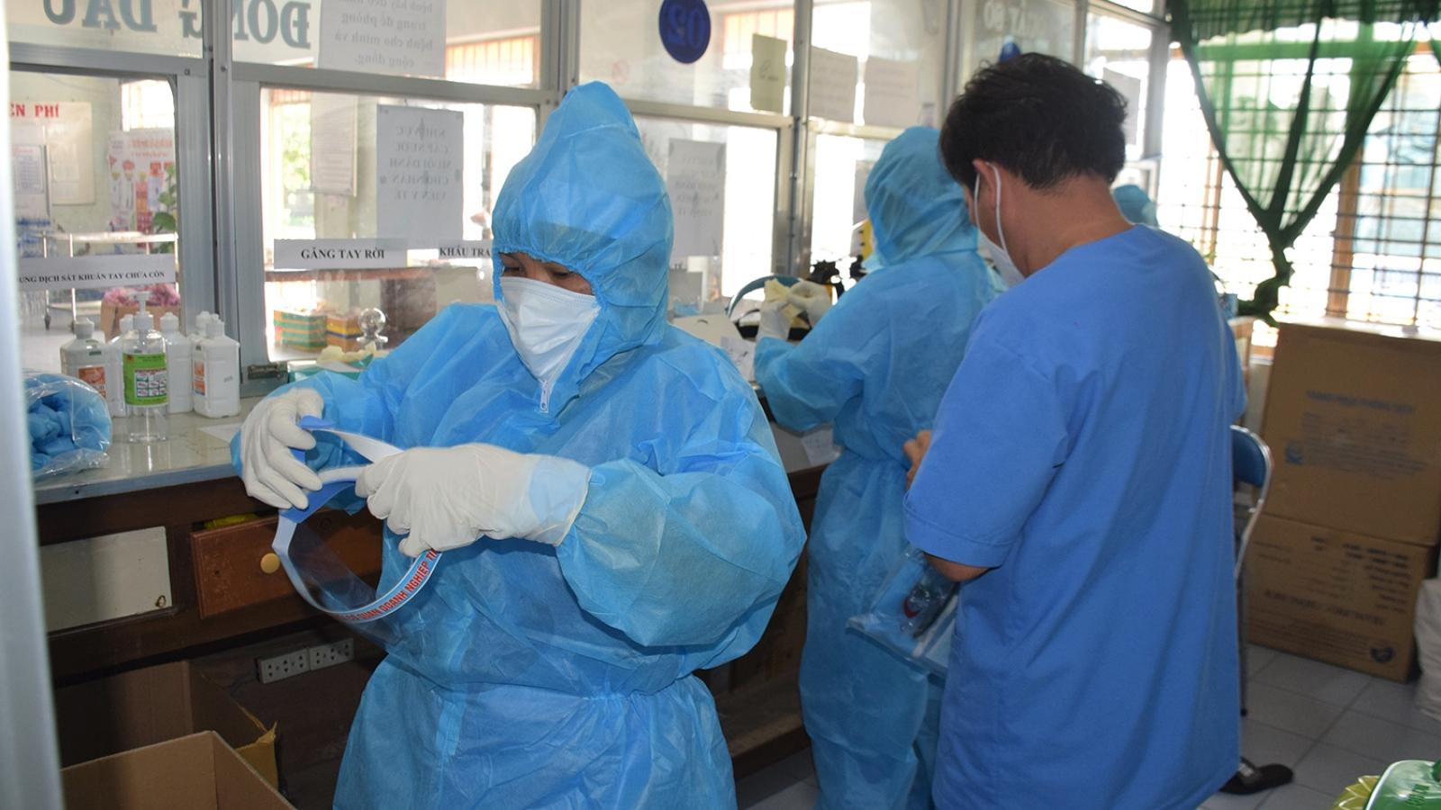 20 nhân viên y tế ở Phú Yên mắc Covid-19 trong quá trình tham gia chống dịch