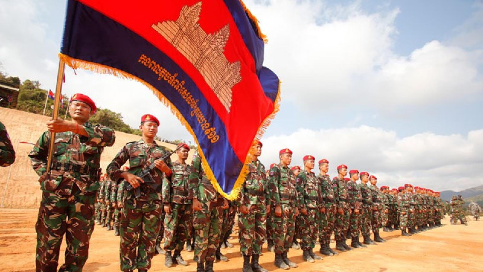 Mỹ chấm dứt chương trình hợp tác đào tạo quân sự với Campuchia