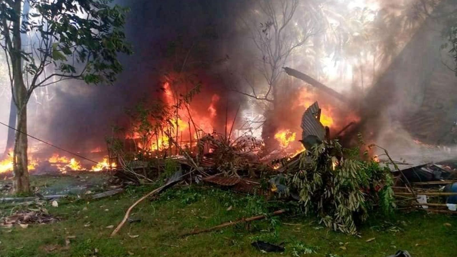 Hiện trường thảm khốc vụ rơi máy bay quân sự Philippines, ít nhất 45 người thiệt mạng