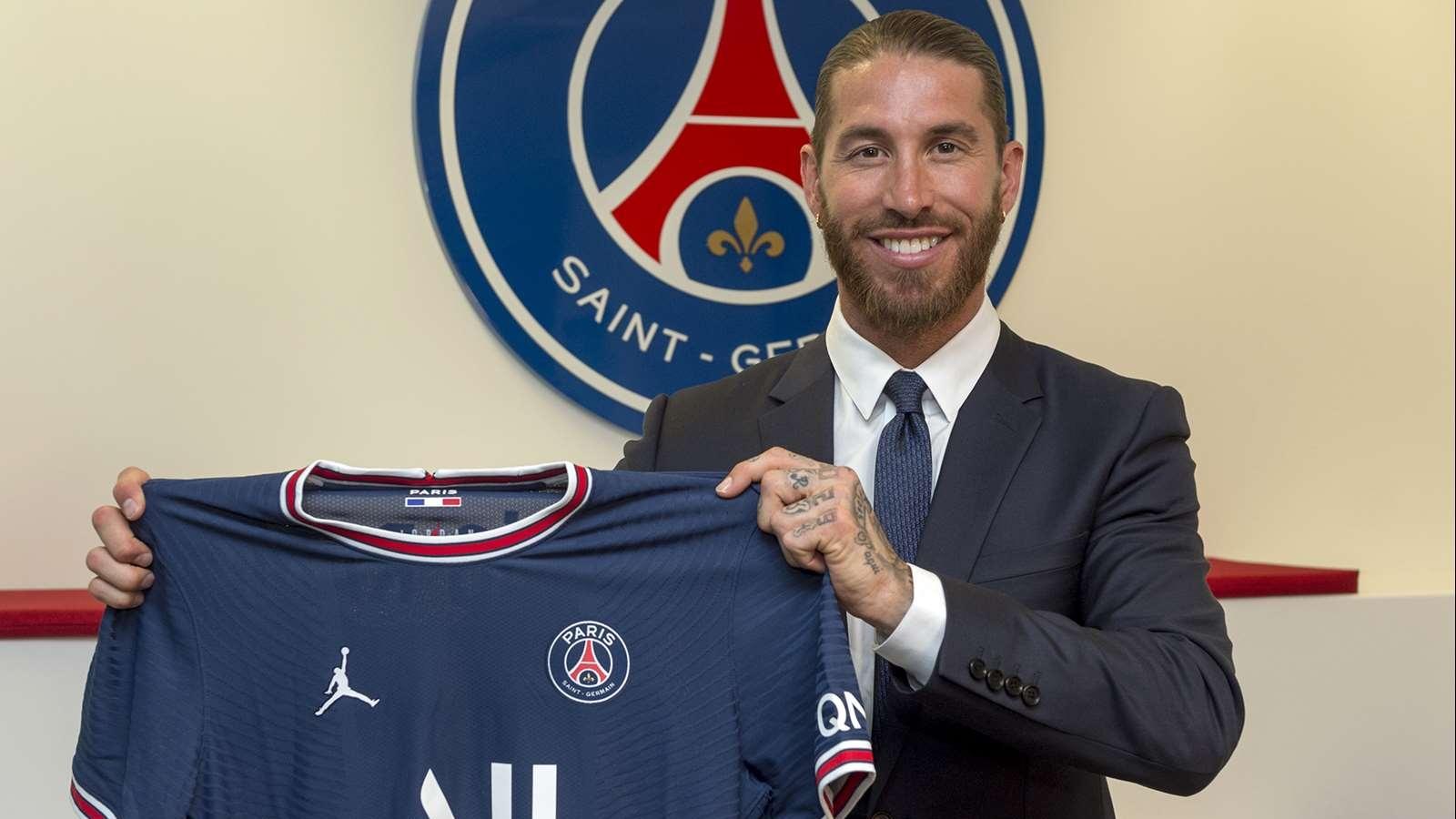 Sergio Ramos chính thức ra mắt PSG, nhận chiếc áo số 4 quen thuộc