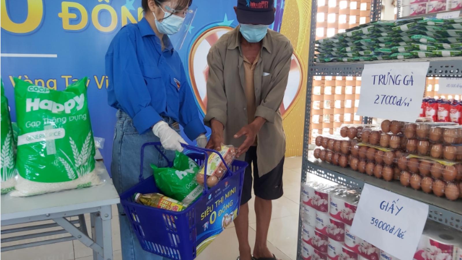 Siêu thị mini 0 đồng giúp người nghèo Đà Nẵng ảnh hưởng dịch Covid-19