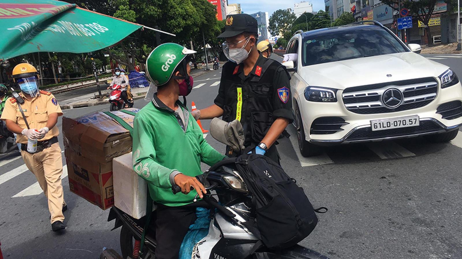 """Sẽ xử phạt shipper ở Hà Nội không có """"thẻ"""" hoạt động"""