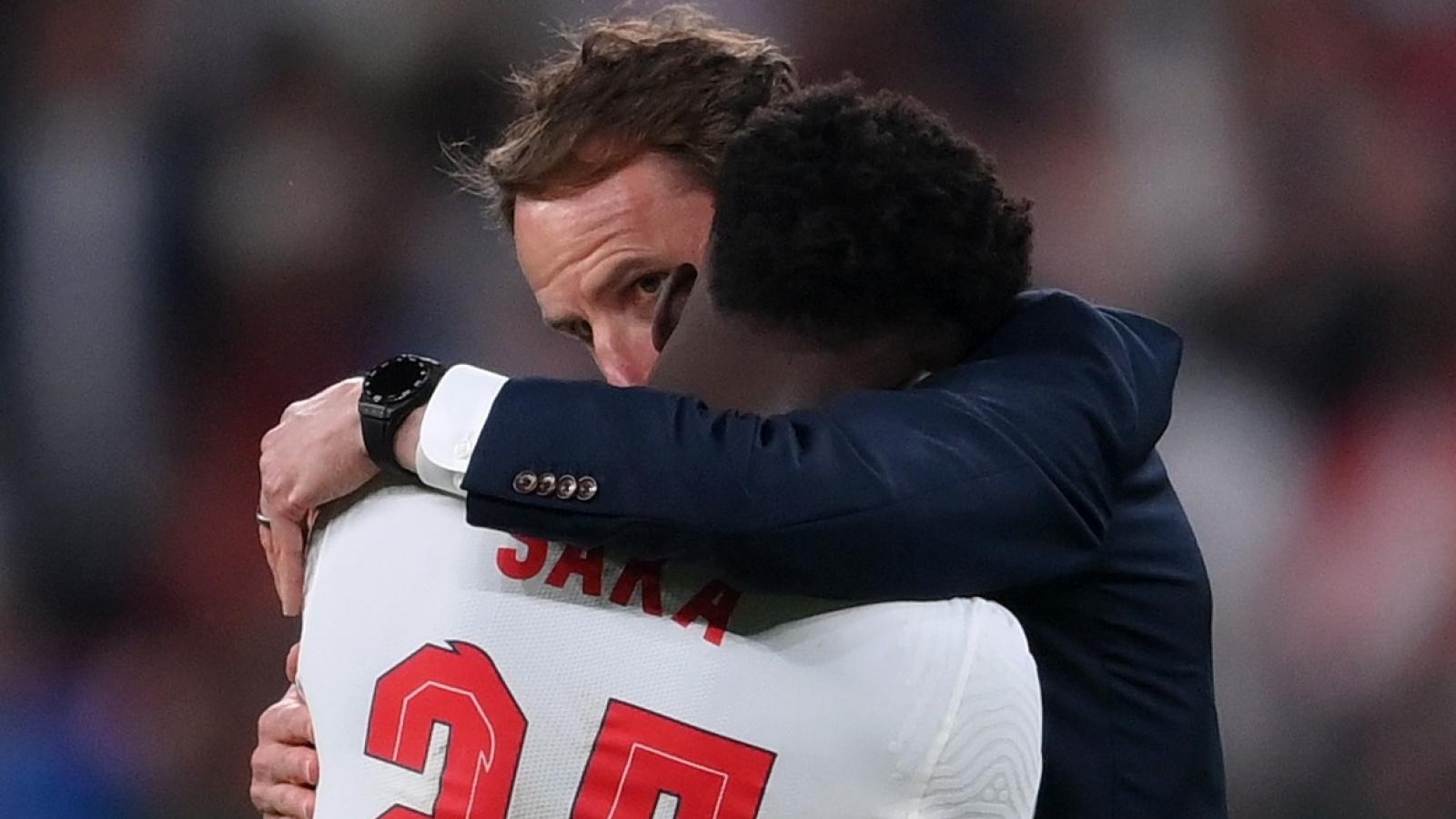 """ĐT Anh """"sút bay"""" chức vô địch EURO, Gareth Southgate nhận lỗi"""