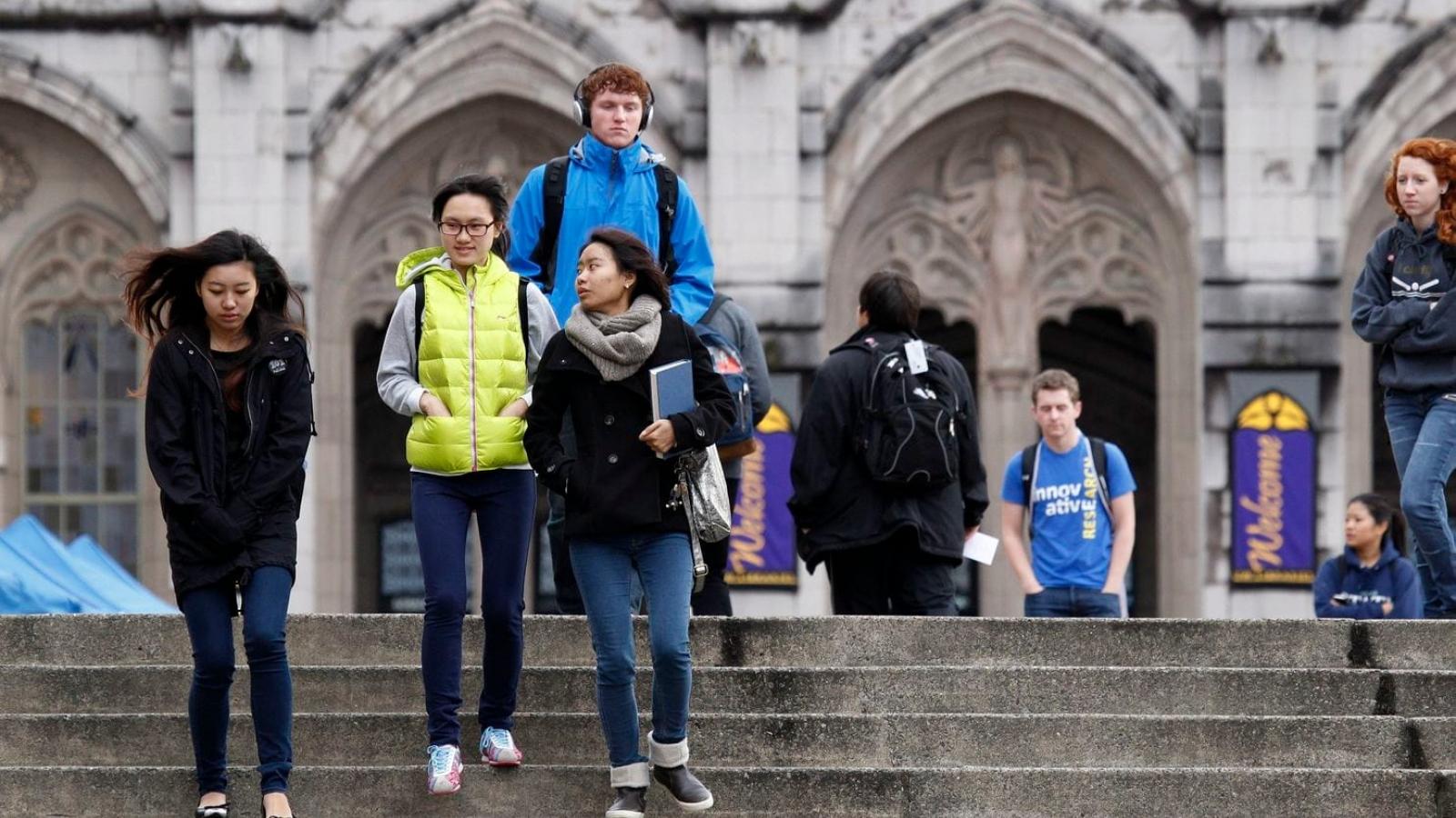Hơn 1.000 du học sinh Trung Quốc định kiện Chính phủ Mỹ vì bị hạn chế visa