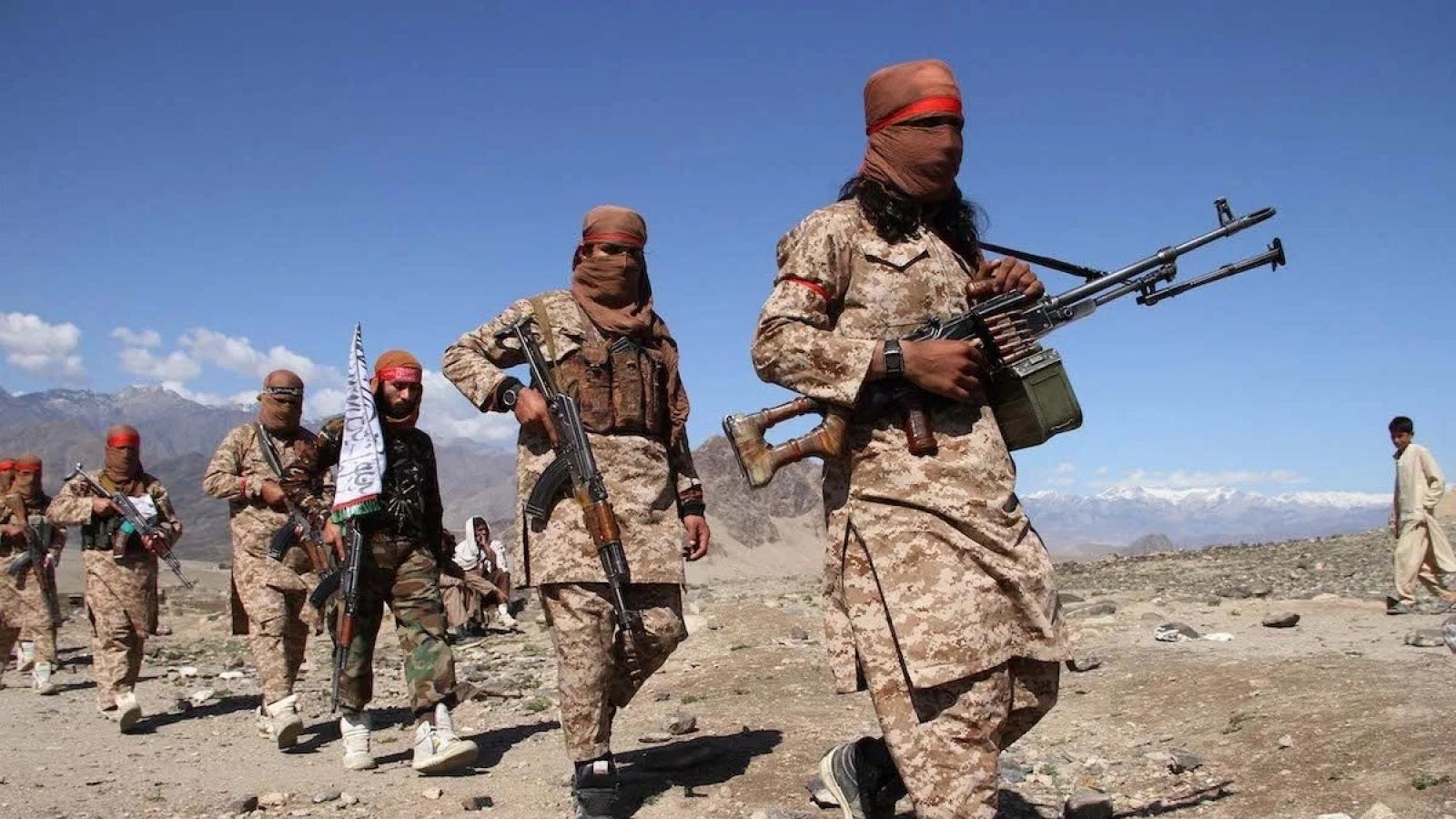 Taliban tuyên bố kiểm soát 90% đường biên giới của Afghanistan