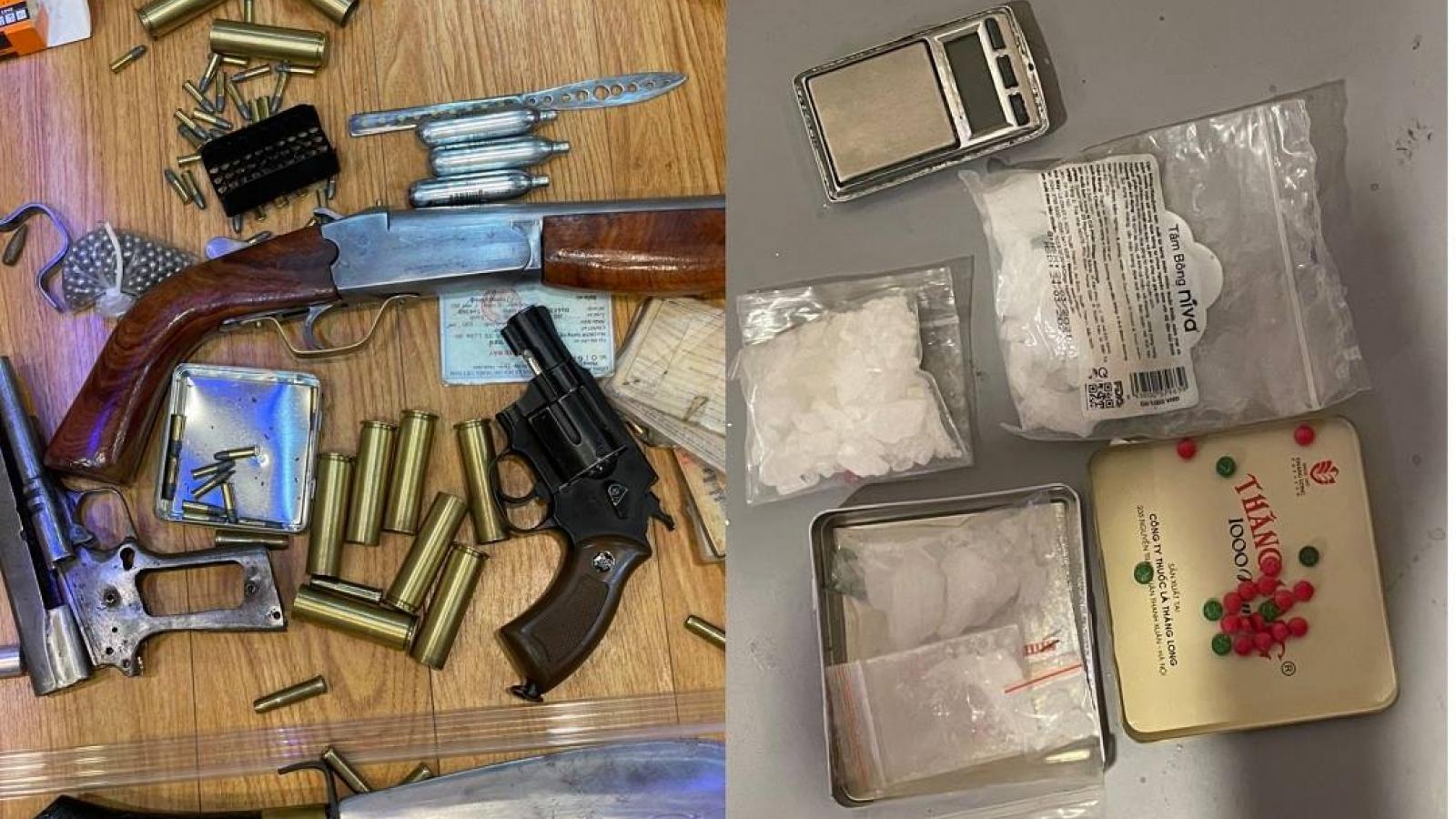 Triệt phá ổ nhóm ma túy ở Hà Nội, thu giữ nhiều súng đạn