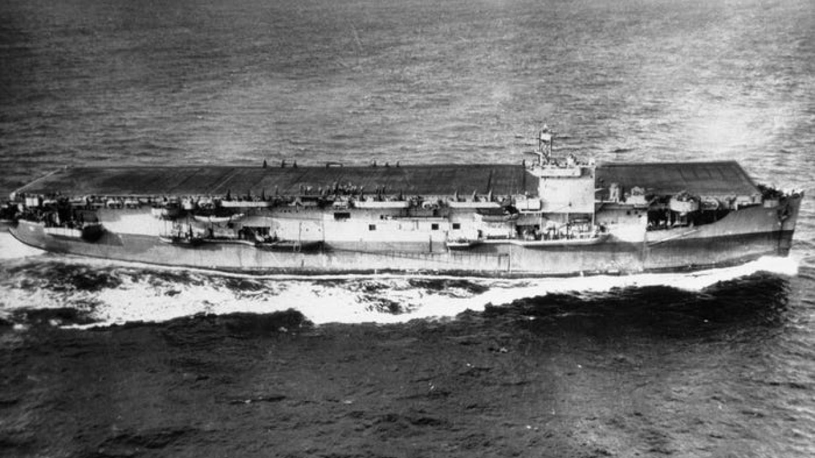 """Tàu sân bay """"nhỏ mà có võ"""" giúp Hải quân Mỹ giành thắng lợi trong Thế chiến 2"""