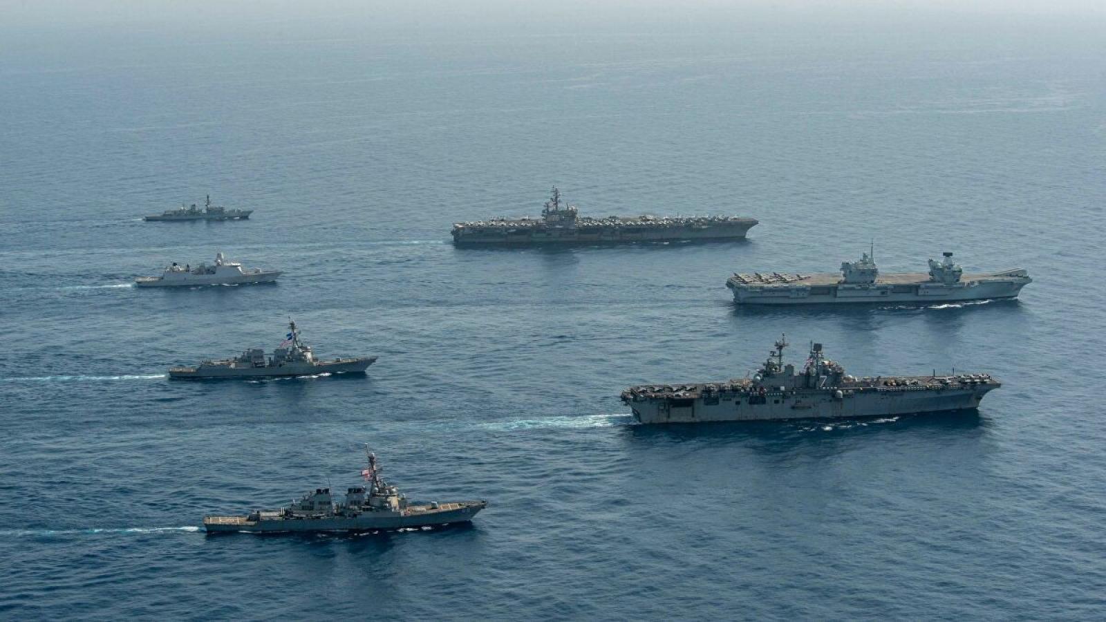 Tàu sân bay Anh, Mỹ tập trận quy mô lớn ở Vịnh Aden