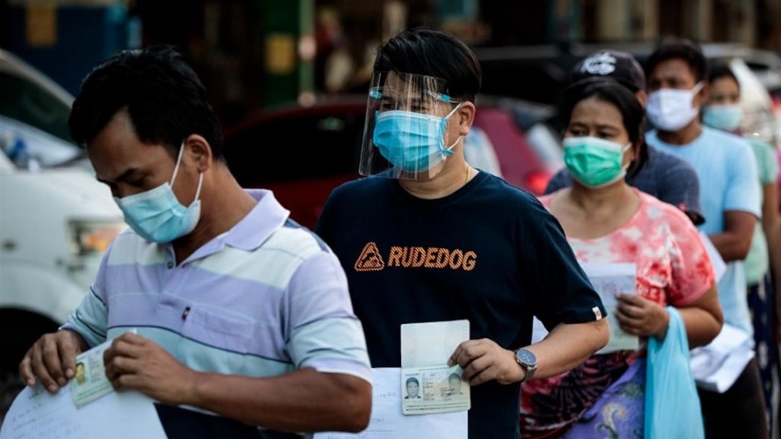 Thiếu hụt vaccine khiến cuộc khủng hoảng Covid-19 tại Thái Lan ngày càng trầm trọng