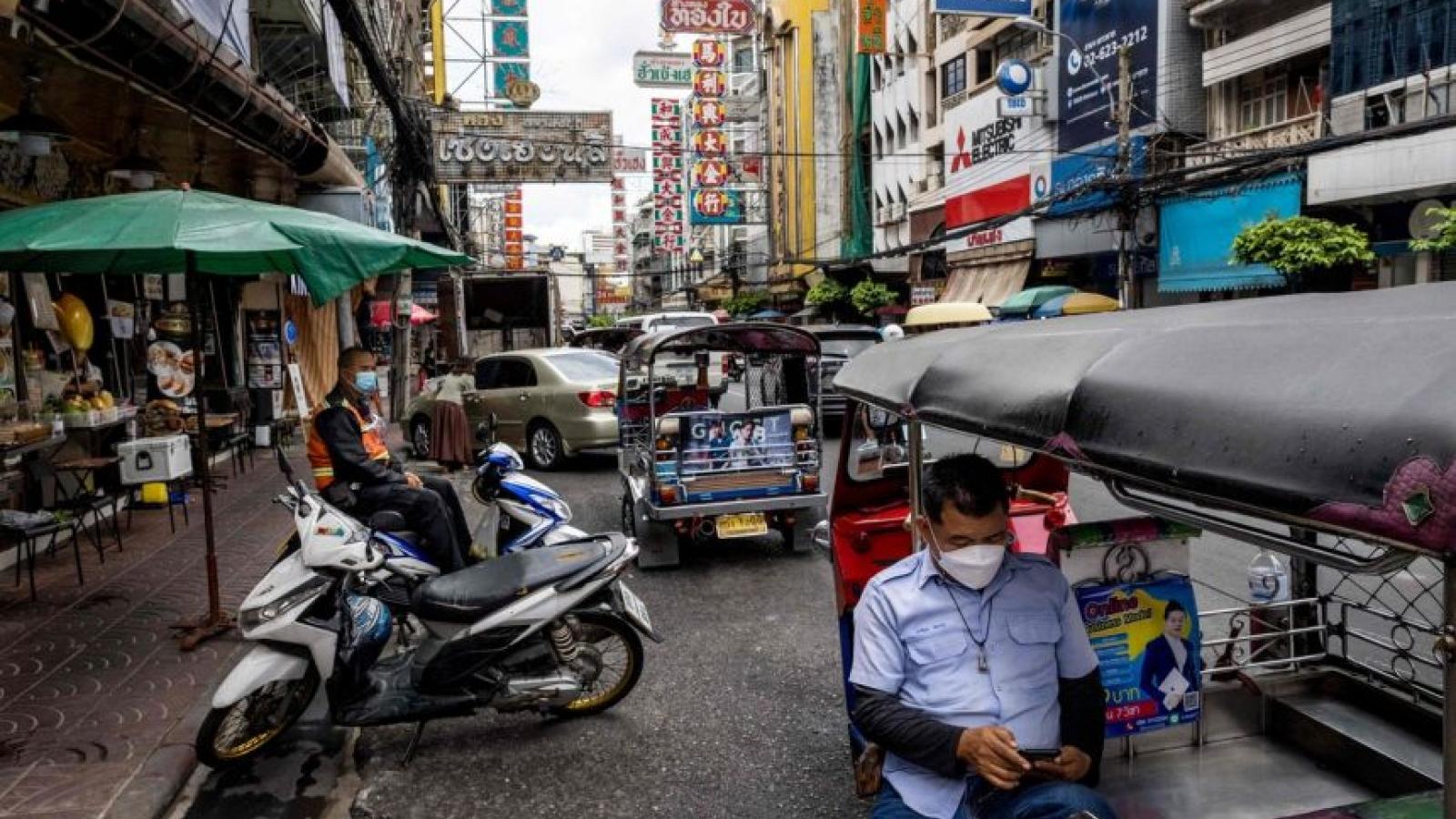 Số ca Covid-19 tăng gấp 10, Thái Lan khó đạt mục tiêu mở cửa hoàn toàn