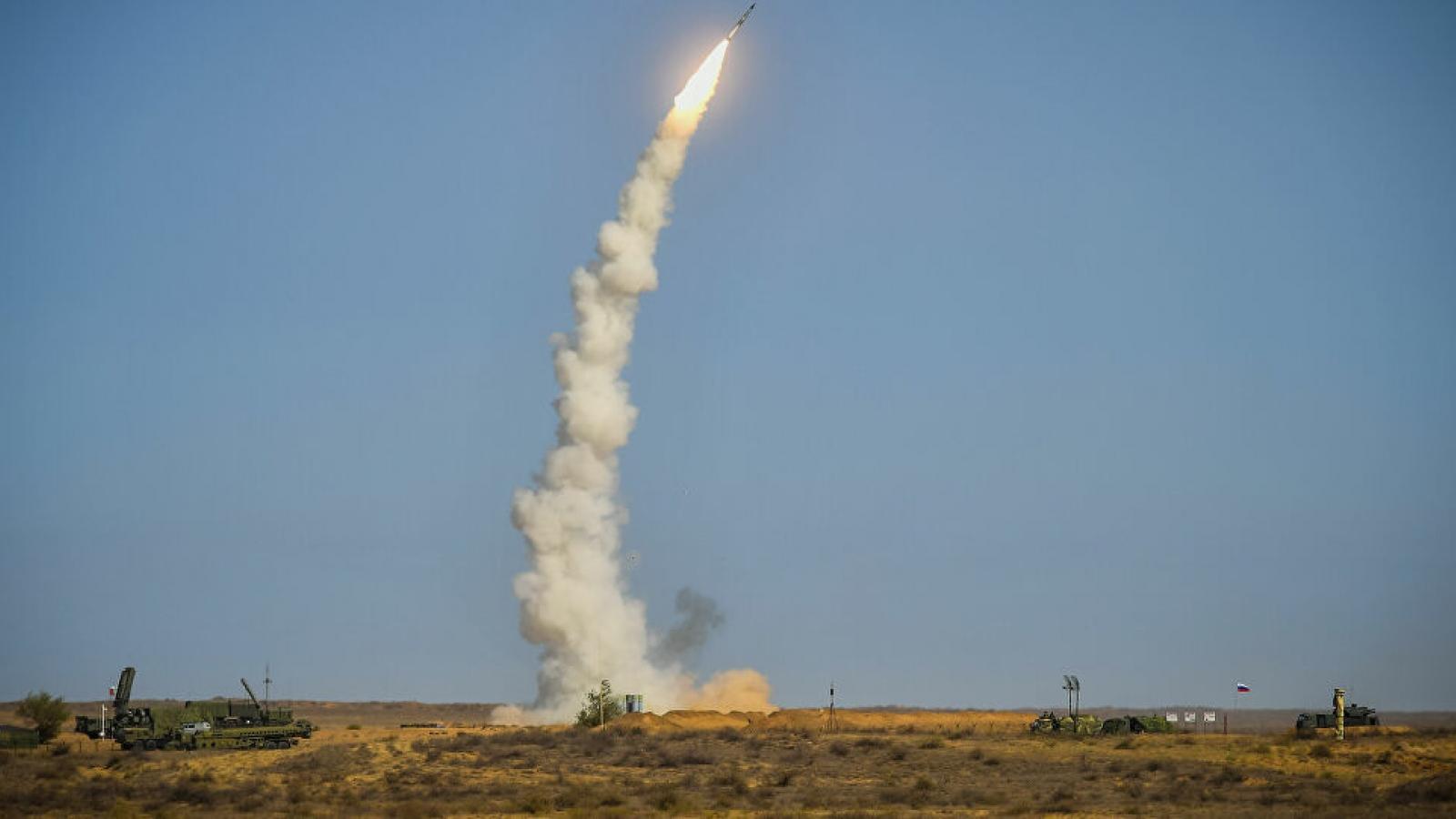 """Rồng lửa S-500 – """"Sát thủ diệt F-35"""" sắp được Nga đưa vào biên chế"""