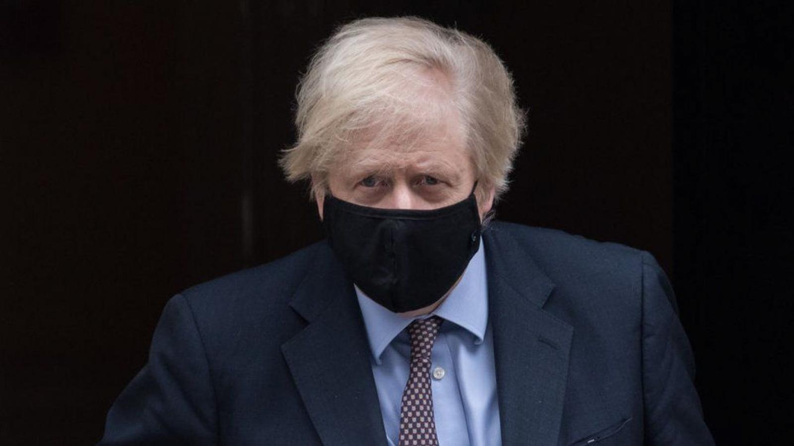 Tiếp xúc với người mắcCovid-19, Thủ tướng và Bộ trưởng Tài chính Anh tự cách li tại nhà