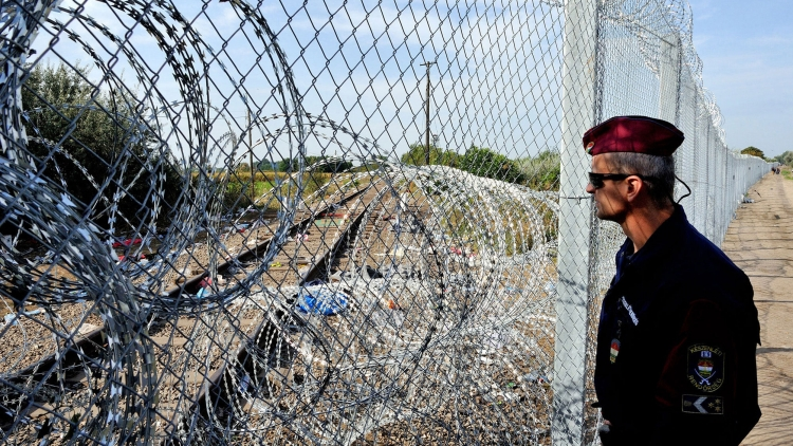 Ủy ban châu Âukiện Hungary vi phạm các quy tắc về việc xin tị nạn