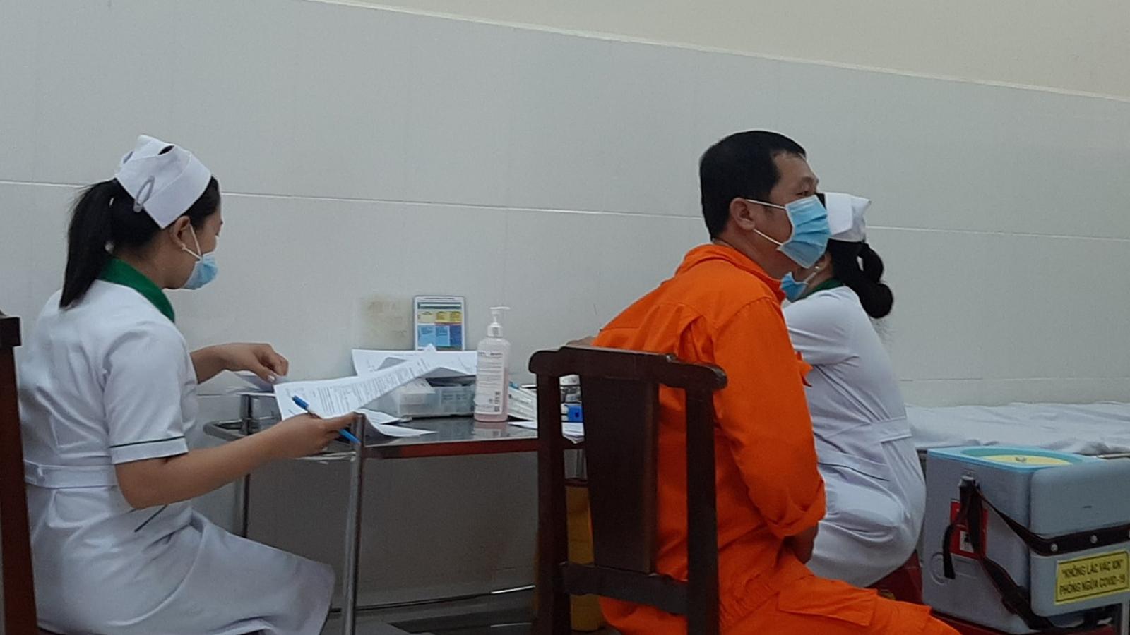 Bến Tre triển khai tiêm vaccine đợt 3 với hơn 32.100 liều