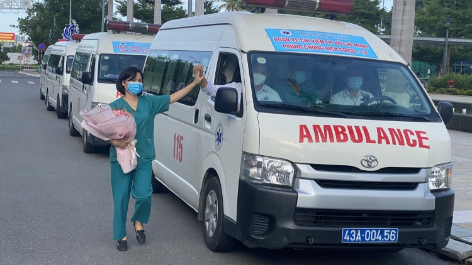 Đà Nẵng huy động15 y bác sĩ và 5 xe cấp cứu hỗ trợthành phố Hồ Chí Minh chống dịch
