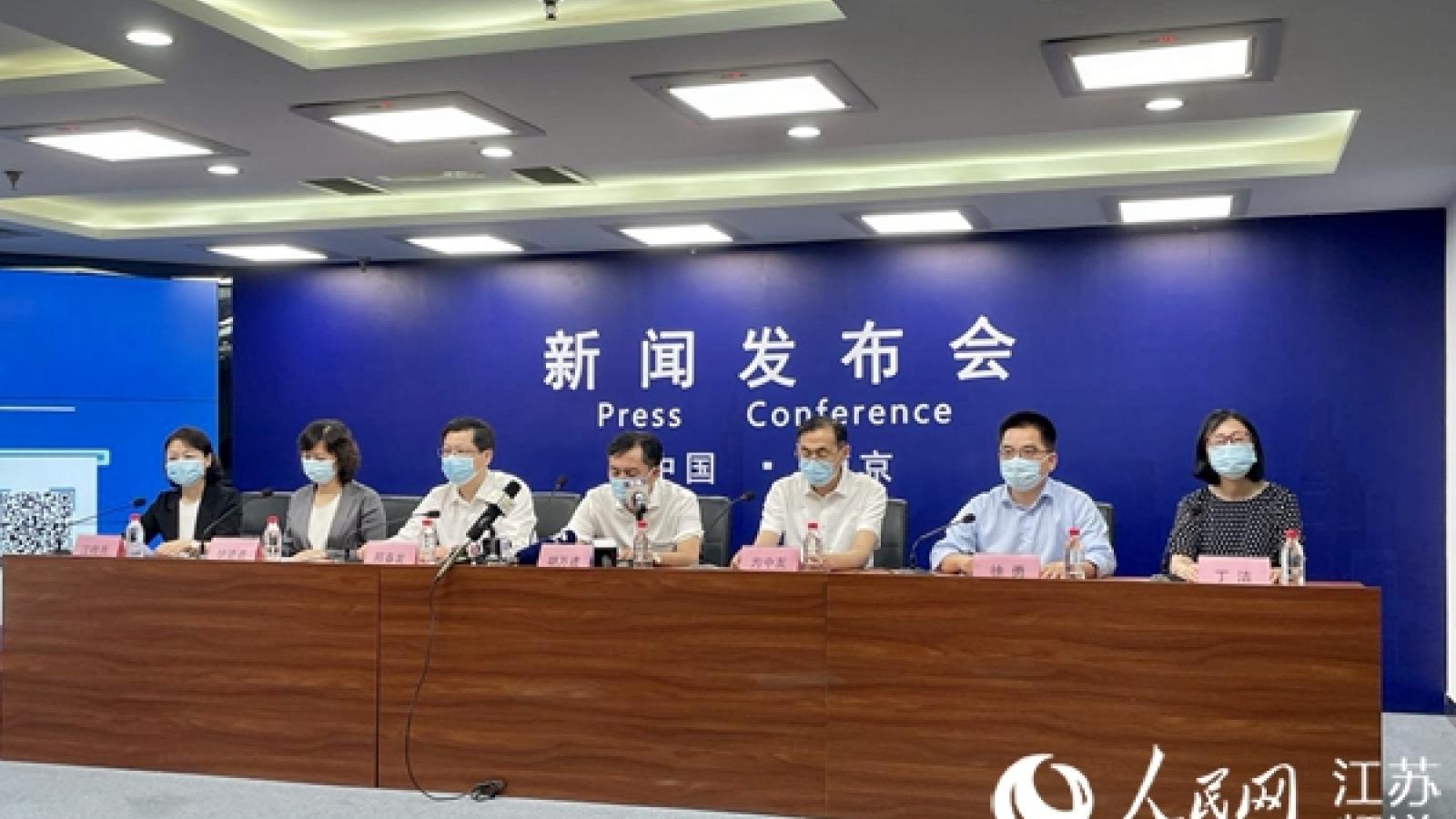 Phát hiện ổ dịch Covid-19 mới tại sân bay, Trung Quốc hủy gần 660 chuyến bay