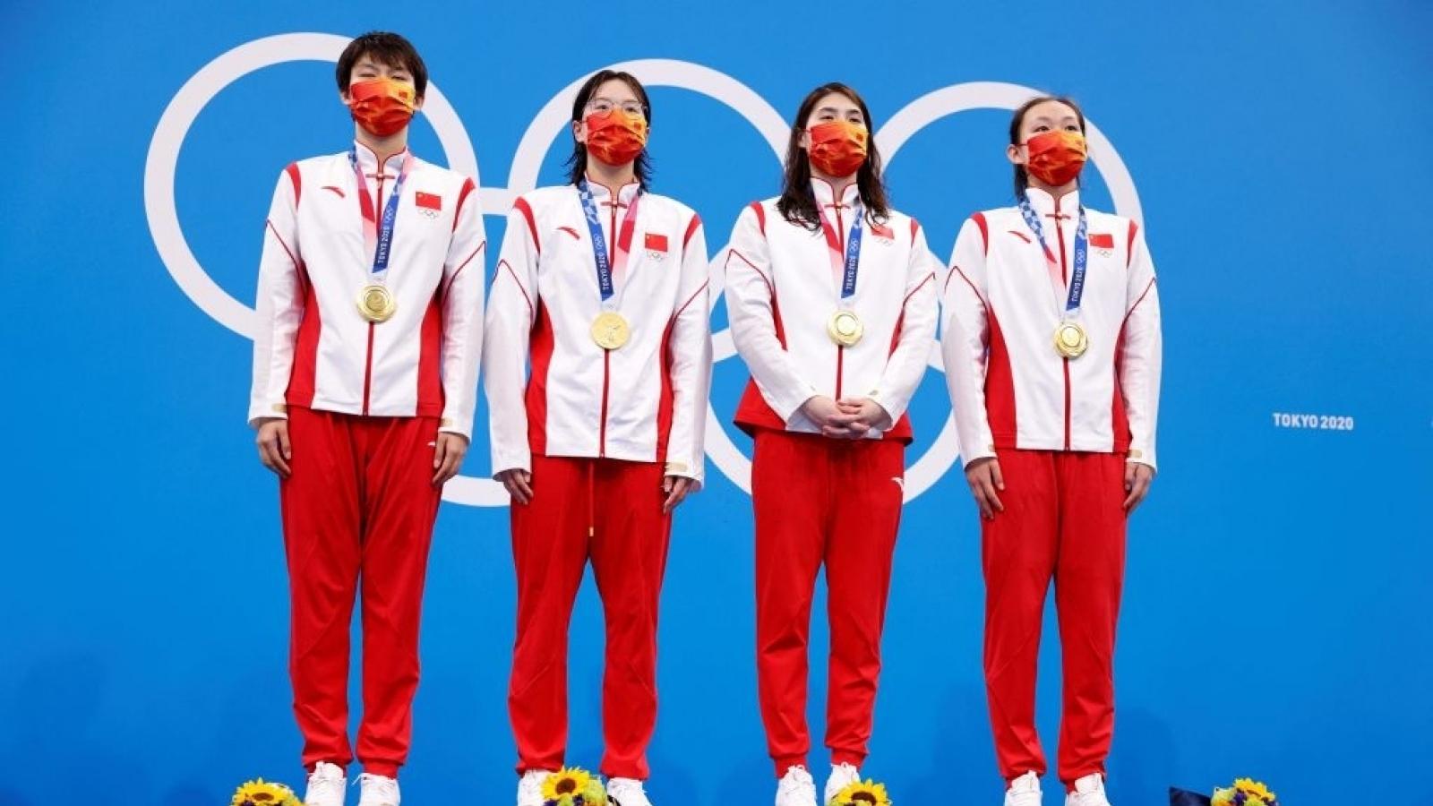 Bơi lội Trung Quốc phá sâu kỷ lục thế giới ở cự ly 4x200 bơi tiếp sức tự do nữ