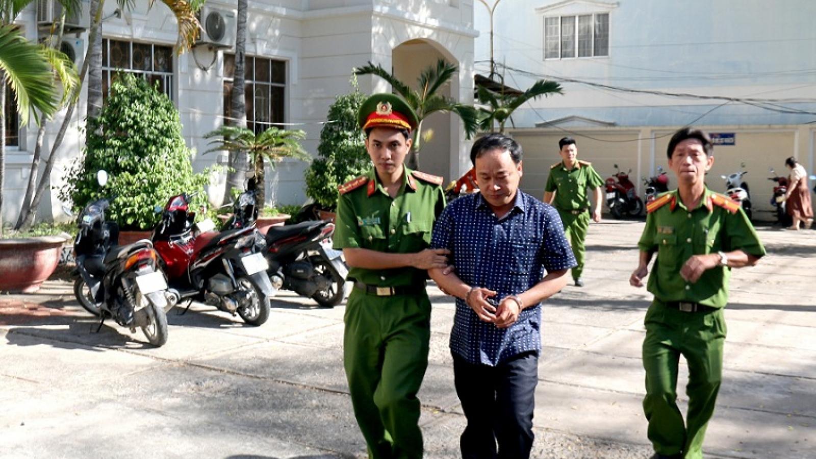 Truy tố 10 cựucán bộ ở Phan Thiết vi phạm liên quan đất đai
