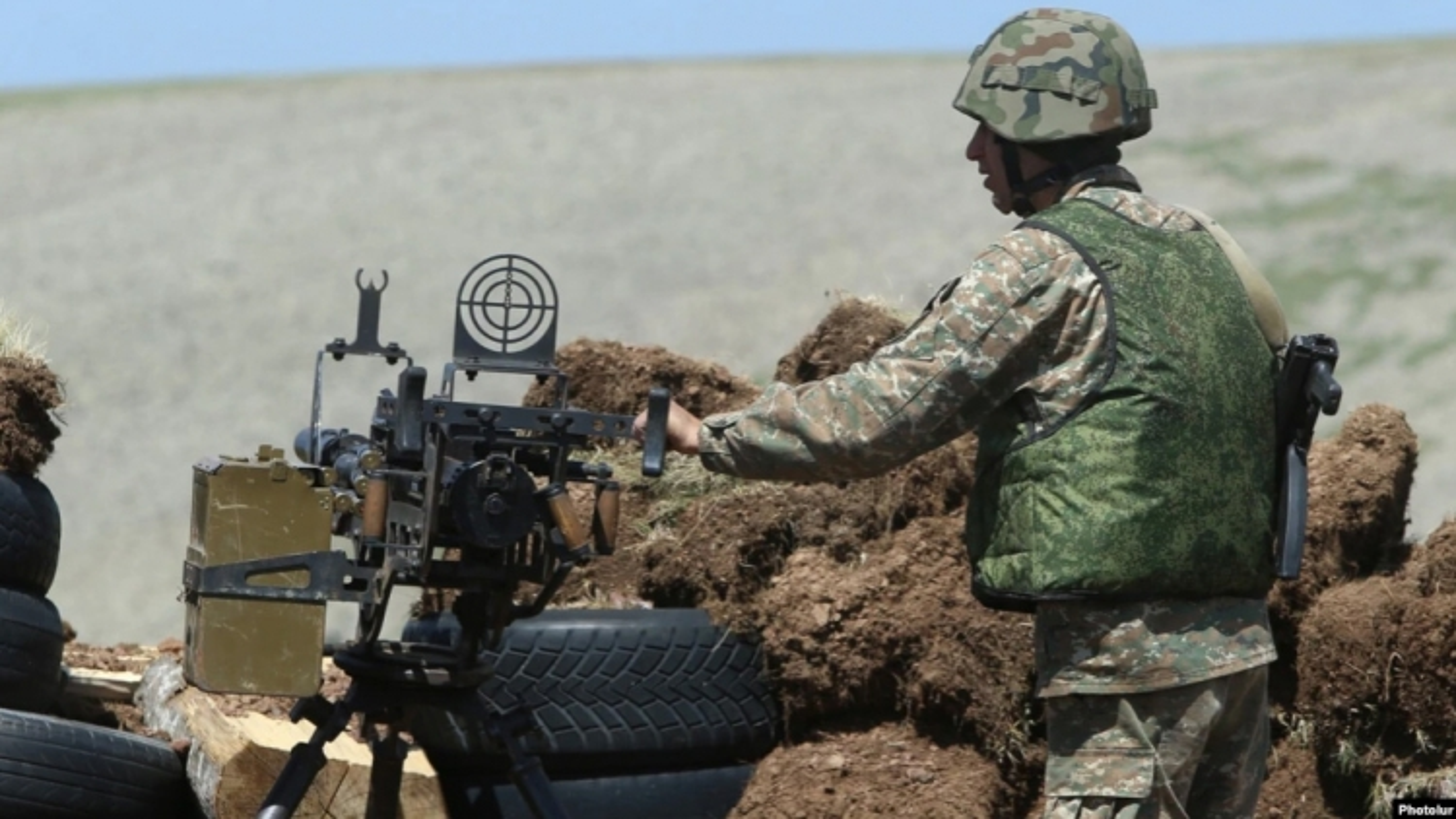 Azerbaijan cáo buộc Armenia pháo kích khiến binh sĩ bị thương