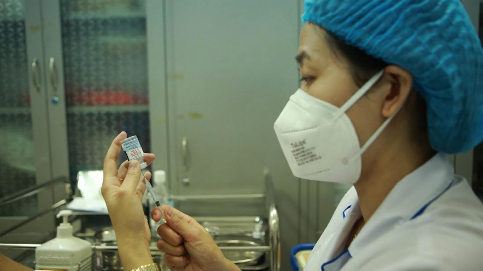 Vương quốc Anh trao tặng Việt Nam 415.000 liều vaccine