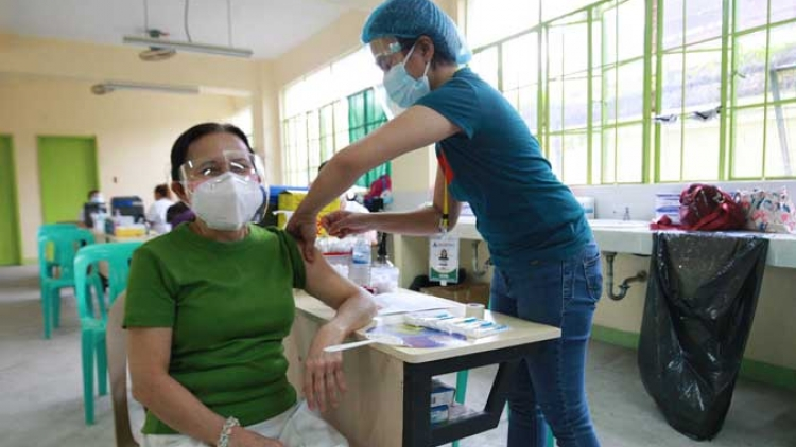 2,6% dân số Philippines đã tiêm đủ 2 mũi vaccine Covid-19