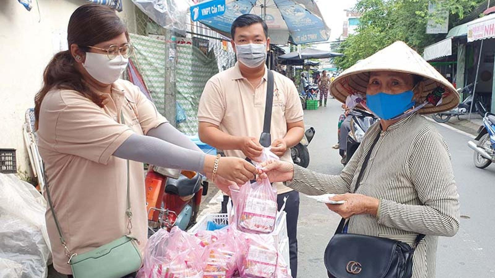 Mỗi người bán vé số tại An Giang được hỗ trợ 1.500.000 đồng