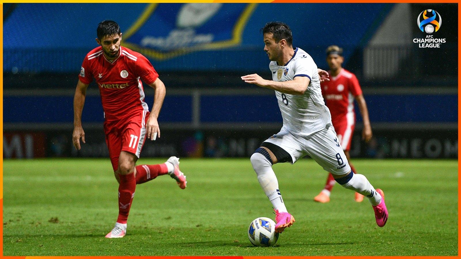 Viettel FC 0-3 Ulsan Hyundai: Bước ngoặt sau giờ nghỉ