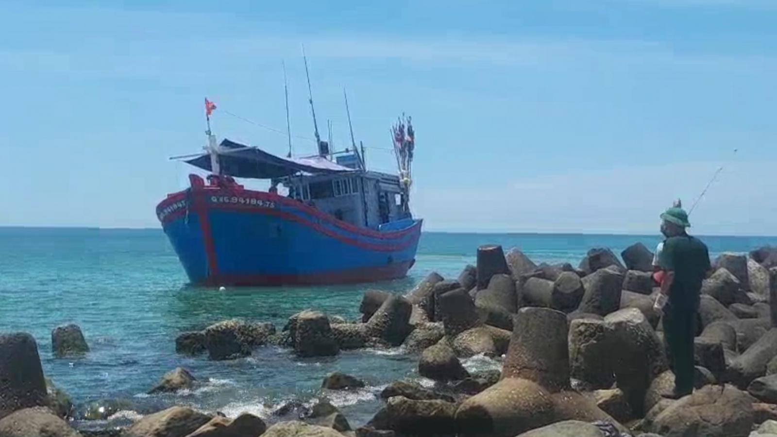 12 ngư dân từ Khánh Hòa về Quảng Ngãi dương tính với virusSARS-CoV-2