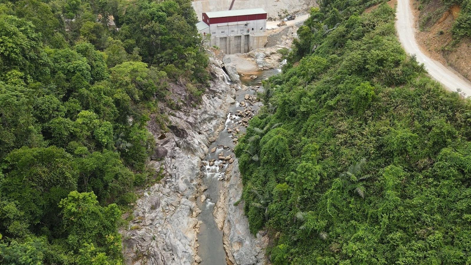 Tạm dừng tìm kiếm các công nhân mất tích tại Rào Trăng 3 để tránh áp thấp nhiệt đới
