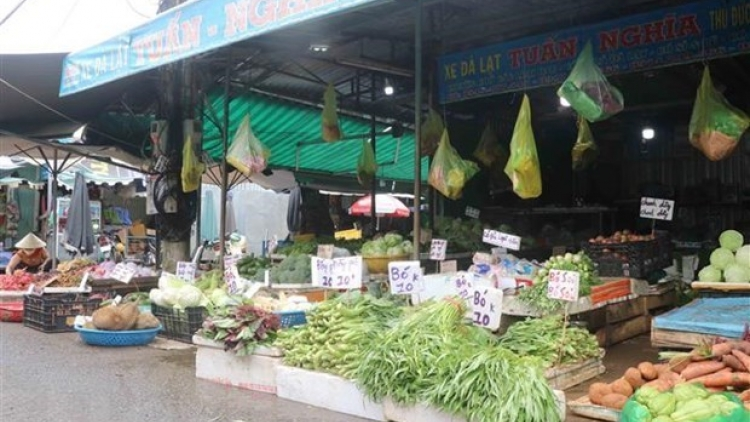 HCM City to reopen wet markets to ease pressure on supermarkets